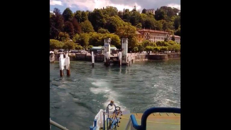 Pontile di Bellagio visto dal motoscafo che si allontana
